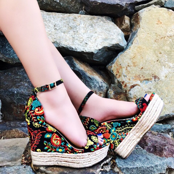 c996857369f Open Toe Embroidered Espadrille Wedge
